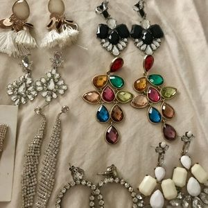 Jewelry - Bundle of 11 dangle earrings, and 2 rings size 6